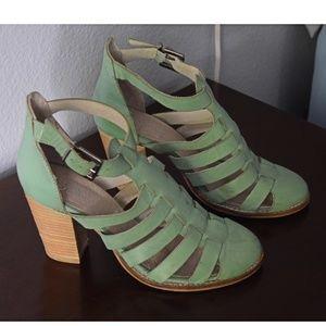 Seychelles Leather Mint Heels Size 9.5